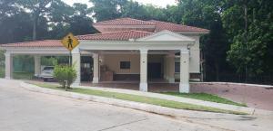 Casa En Alquileren Panama, Clayton, Panama, PA RAH: 20-8655