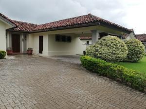 Casa En Ventaen Cocle, Cocle, Panama, PA RAH: 20-9146
