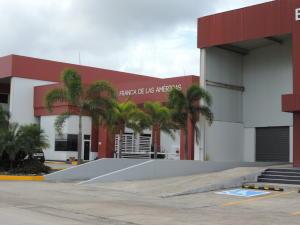 Galera En Alquileren Panama, Pacora, Panama, PA RAH: 20-9148