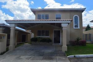 Casa En Ventaen Panama, Brisas Del Golf, Panama, PA RAH: 20-9362
