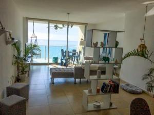 Apartamento En Alquileren Panama, Avenida Balboa, Panama, PA RAH: 20-9624