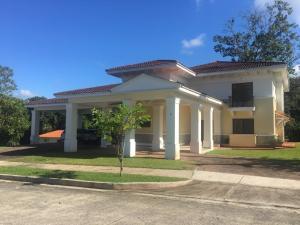Casa En Ventaen Panama, Clayton, Panama, PA RAH: 20-10006