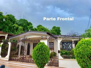 Casa En Ventaen Panama, Brisas Del Golf, Panama, PA RAH: 20-10664