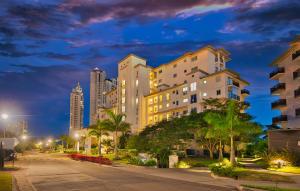 Apartamento En Ventaen Panama, Santa Maria, Panama, PA RAH: 20-10910