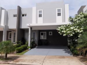 Casa En Ventaen Panama, Brisas Del Golf, Panama, PA RAH: 20-11522