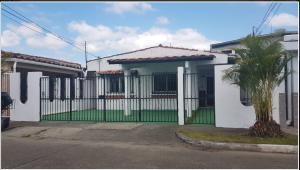 Casa En Alquileren Panama, Chanis, Panama, PA RAH: 20-11694
