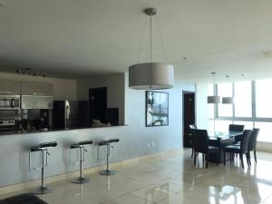 Apartamento En Alquileren Panama, Avenida Balboa, Panama, PA RAH: 20-11818