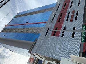 Consultorio En Ventaen Panama, Obarrio, Panama, PA RAH: 20-6413