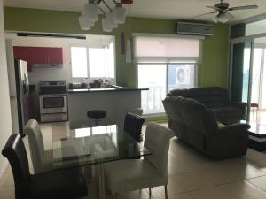 Apartamento En Alquileren Panama, Avenida Balboa, Panama, PA RAH: 20-12251