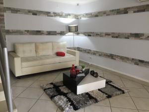 Apartamento En Alquileren Panama, 12 De Octubre, Panama, PA RAH: 20-12651