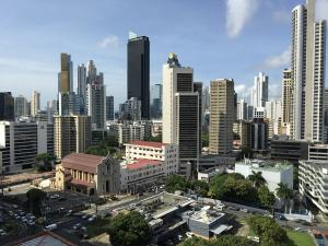 Apartamento En Alquileren Panama, Obarrio, Panama, PA RAH: 21-25