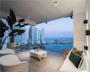 Apartamento En Ventaen Panama, Paitilla, Panama, PA RAH: 21-241