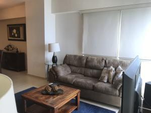 Apartamento En Alquileren Panama, Avenida Balboa, Panama, PA RAH: 21-2478