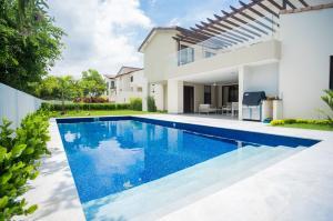 Casa En Alquileren Panama, Panama Pacifico, Panama, PA RAH: 21-422