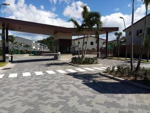 Casa En Ventaen San Miguelito, Brisas Del Golf, Panama, PA RAH: 21-761