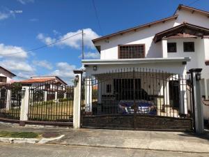 Casa En Alquileren Panama, Las Cumbres, Panama, PA RAH: 21-881