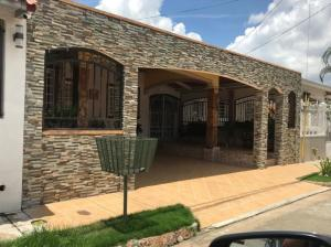 Casa En Ventaen Panama, Villa Zaita, Panama, PA RAH: 21-991