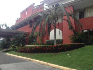 Apartamento En Alquileren Panama, Clayton, Panama, PA RAH: 21-1107