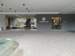 Apartamento En Ventaen Panama, Santa Maria, Panama, PA RAH: 21-1031