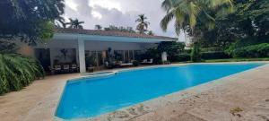 Casa En Alquileren Panama, Altos Del Golf, Panama, PA RAH: 21-1721