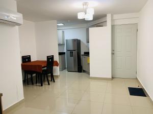 Apartamento En Alquileren Panama, Condado Del Rey, Panama, PA RAH: 21-1876