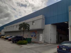 Galera En Alquileren Pacora, Paso Blanco, Panama, PA RAH: 21-2218