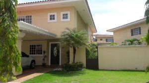 Casa En Ventaen Panama, Brisas Del Golf, Panama, PA RAH: 21-2441
