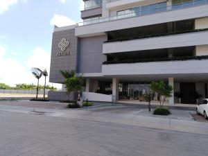 Apartamento En Ventaen Panama, Santa Maria, Panama, PA RAH: 21-2572