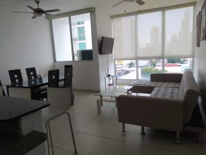 Apartamento En Alquileren Panama, San Francisco, Panama, PA RAH: 21-2582