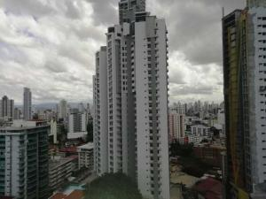 Apartamento En Alquileren Panama, El Cangrejo, Panama, PA RAH: 21-2602