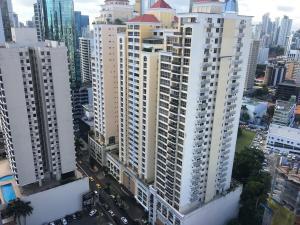 Apartamento En Alquileren Panama, Obarrio, Panama, PA RAH: 21-2577