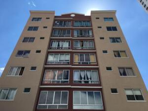 Apartamento En Ventaen Panama, Parque Lefevre, Panama, PA RAH: 21-2752
