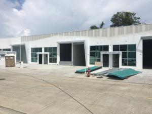 Galera En Ventaen Panama, Parque Lefevre, Panama, PA RAH: 21-3085