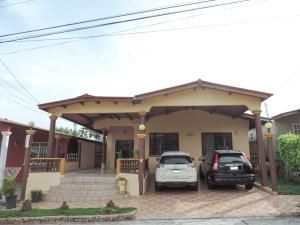Casa En Ventaen Panama, Brisas Del Golf, Panama, PA RAH: 21-3154