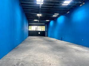 Galera En Alquileren Panama, Transistmica, Panama, PA RAH: 21-3165