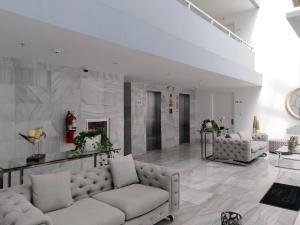Apartamento En Ventaen Panama, Edison Park, Panama, PA RAH: 21-3800