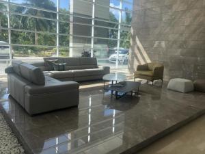 Apartamento En Ventaen Panama, Costa Del Este, Panama, PA RAH: 21-3819