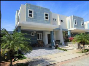 Casa En Ventaen Panama, Brisas Del Golf, Panama, PA RAH: 21-3865