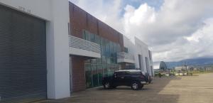 Galera En Ventaen Panama, Tocumen, Panama, PA RAH: 21-3904