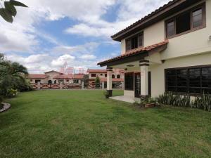 Casa En Ventaen Panama, Las Cumbres, Panama, PA RAH: 21-4064