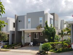 Casa En Alquileren Panama, Brisas Del Golf, Panama, PA RAH: 21-4210