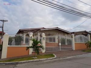 Casa En Ventaen San Miguelito, Quitas De Gratamira, Panama, PA RAH: 21-4247