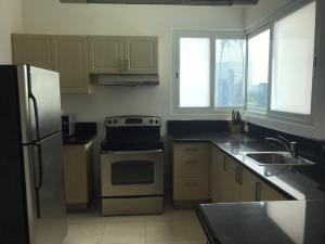 Apartamento En Alquileren Panama, Avenida Balboa, Panama, PA RAH: 21-4462