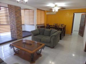 Apartamento En Ventaen Panama, El Dorado, Panama, PA RAH: 21-4980