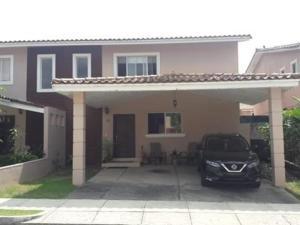 Casa En Ventaen Panama, Brisas Del Golf, Panama, PA RAH: 21-5456