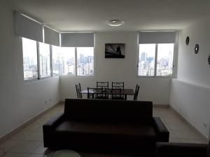 Apartamento En Ventaen Panama, Edison Park, Panama, PA RAH: 21-6228