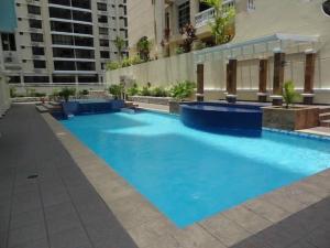Apartamento En Alquileren Panama, Obarrio, Panama, PA RAH: 21-5885