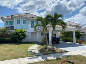 Casa En Alquileren Rio Hato, Playa Blanca, Panama, PA RAH: 21-6051