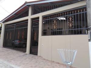 Casa En Ventaen Panama, Brisas Del Golf, Panama, PA RAH: 21-6276