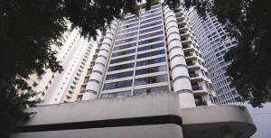 Apartamento En Ventaen Panama, Obarrio, Panama, PA RAH: 21-6602